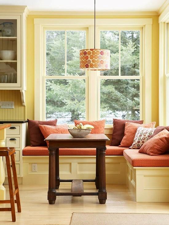 Desain Ruang Makan Minimalis Dengan Meja Kecil dan Sofa Bentuk L