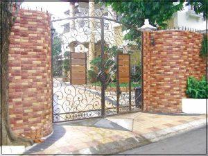 model pagar rumah minimalis dari batu bata
